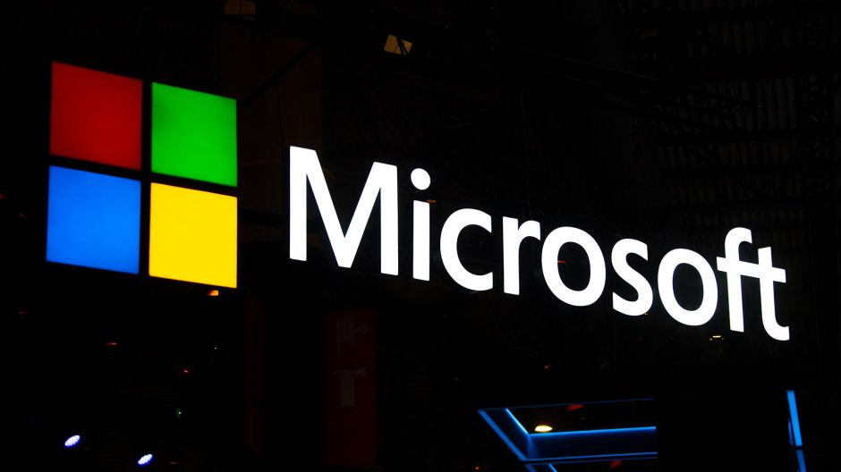 Microsoft se une a boicot contra Facebook y le da duro golpe