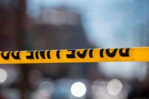 Un tiroteo en Miami causa al menos 1 muerto y 7 heridos al comenzar el feriado de Memorial Day