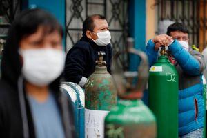 Oxígeno a precio de oro. Perú enfrenta un nuevo problema en medio de la pandemia