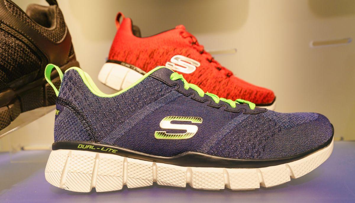 5 diseños de zapatos Skechers para estar en casa con total comodidad