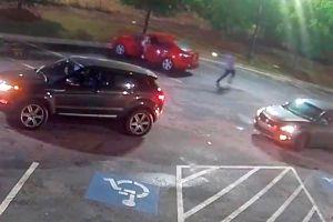 Revelan videos de cámaras corporales de interacción de Rayshard Brooks con policías de Atlanta