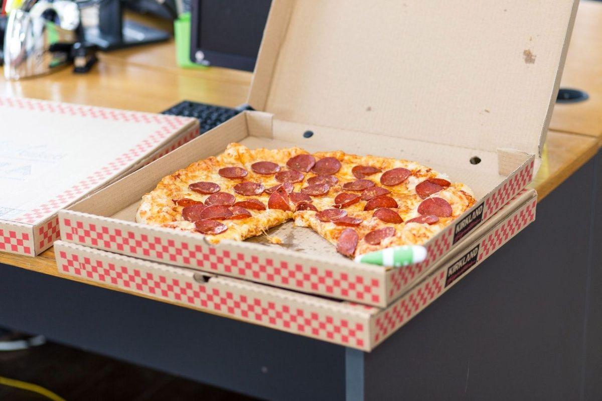 Hubo un día que cada repartidor le dejó 14 pizzas.