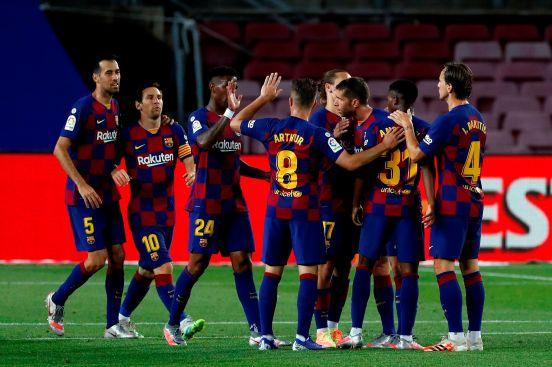 El Barcelona celebra el primer gol del partido.