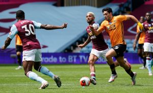 Imparables desde que volvió la Premier League: Raúl Jiménez generó el gol del triunfo del Wolverhampton sobre el Aston Villa