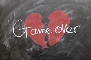 Conoce cómo te pueden sacar dinero a través de un fraude de romance en las redes sociales