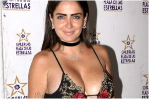 En video, Celia Lora luce sus voluptuosas curvas con un bikini amarillo