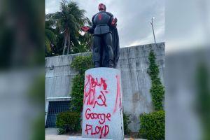 Detienen a 7 personas por vandalizar las estatuas de Cristobal Colón y Juan Ponce de León en Miami