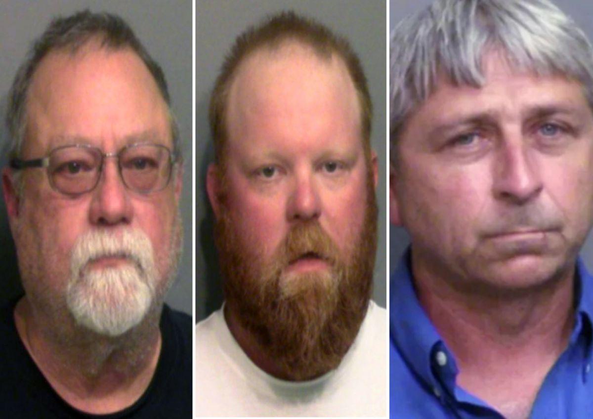 """Gregory McMichael, de 64 años; su hijo Travis McMichael, de 34, y William """"Roddie"""" Bryan, de 50 enfrentan nueve cargos."""