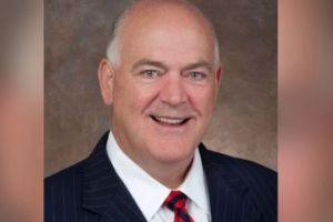Un alcalde de Texas renuncia a su cargo por temor al COVID-19