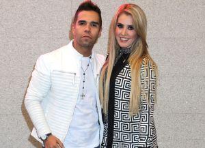 Esposa del cantante Emir Pabón se encuentra en terapia intensiva tras accidente de auto