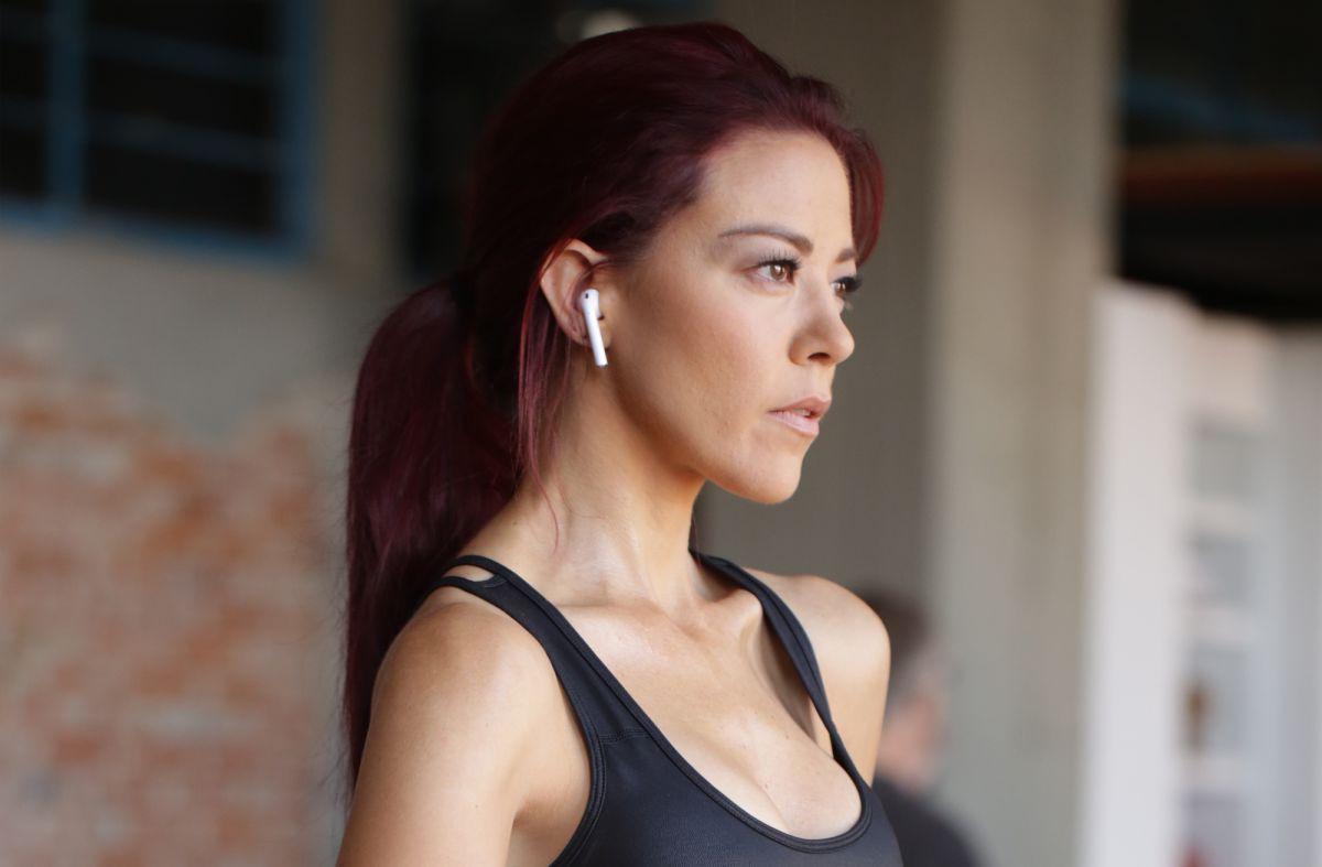 """Fernanda Castillo es Roxana Rodiles en """"Enemigo Íntimo""""."""