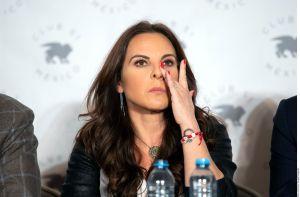 Kate del Castillo rompe en llanto por la crisis que vive EEUU