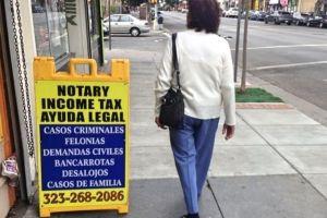 Alertan a beneficiarios de DACA por posibles estafas de inmigración