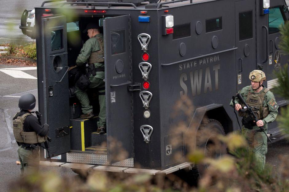 Renuncia el equipo entero de SWAT de la policía de una ciudad de Miami en medio de la crisis por George Floyd