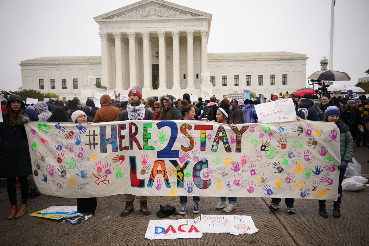 La Corte Suprema podría decidir este mes el destino de DACA.