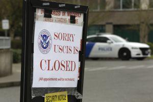 USCIS advierte retrasos en trámites migratorios ante reducción de personal por falta de presupuesto