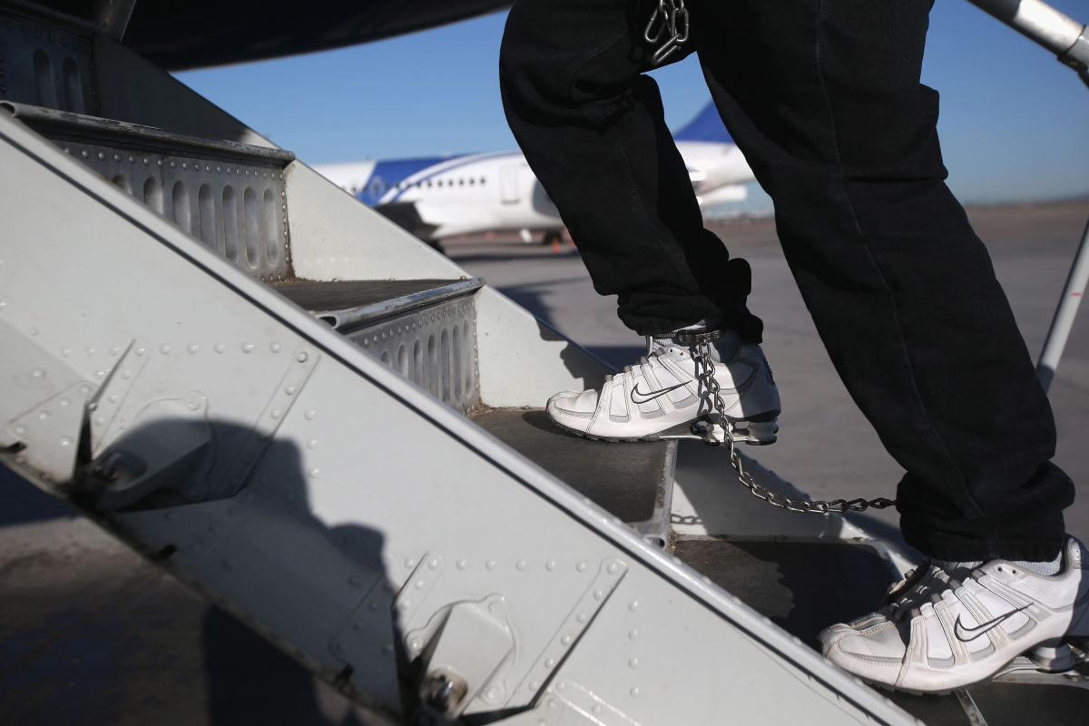 Demandan a la Administración por deportar a menores sin entrevista de asilo
