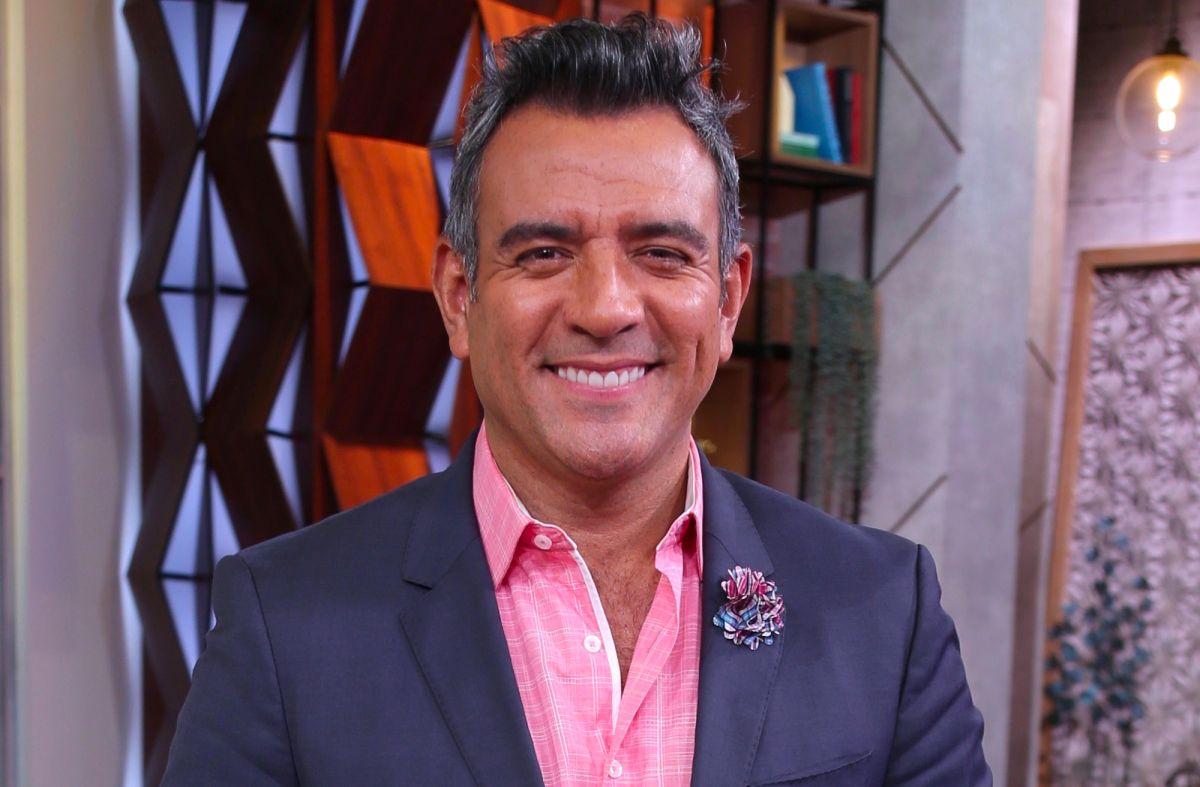 Héctor Sandarti.
