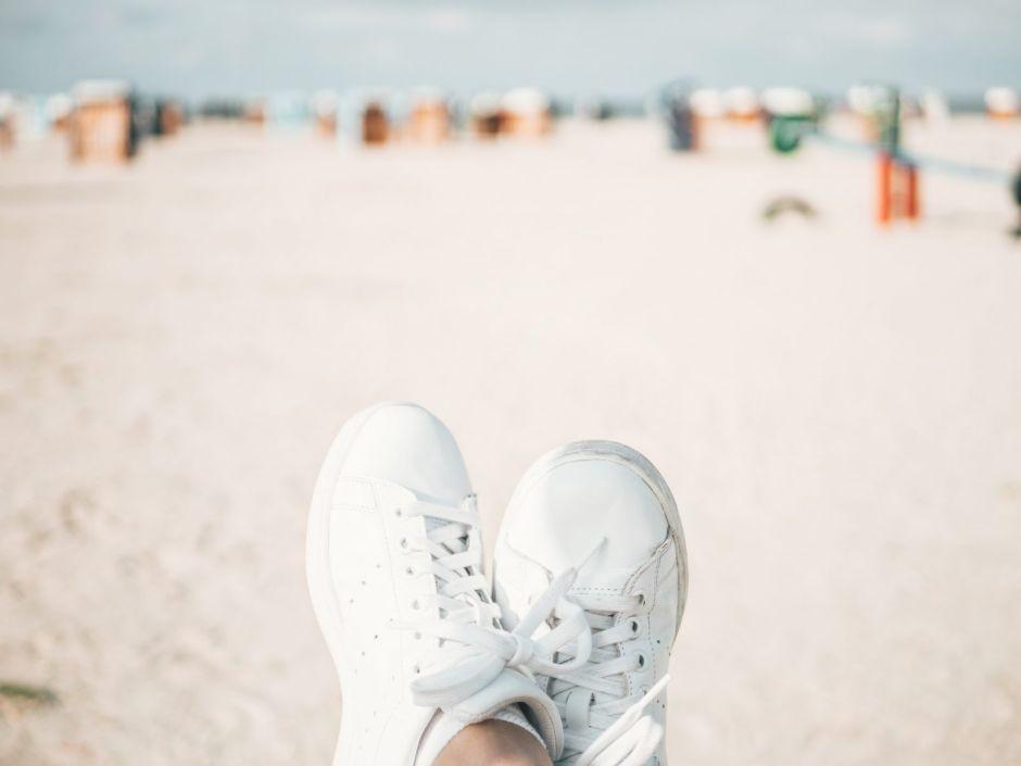 5 opciones de tenis Skechers para mujer que son muy cómodos y bonitos para usar en verano
