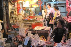 Nuevo brote de coronavirus en el principal mercado de Pekín, en China
