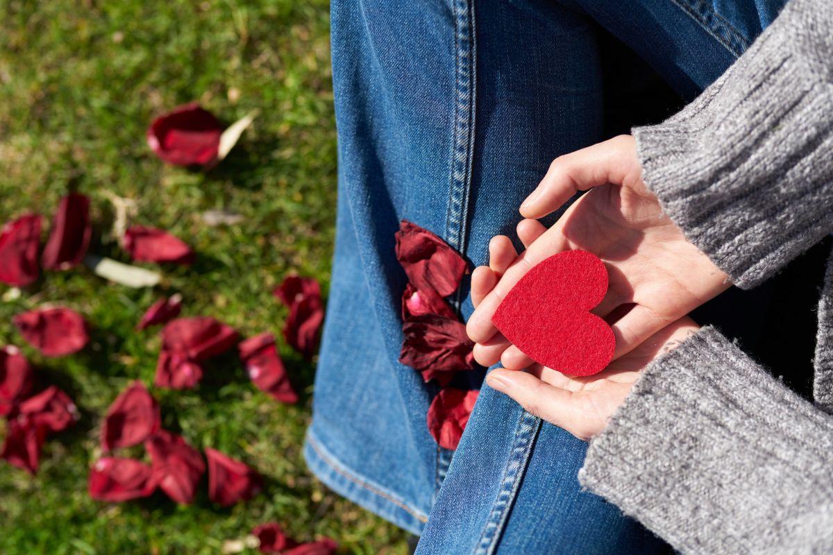 ¿Es peligroso realizar un amarre de amor?