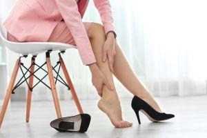 5 remedios caseros para aliviar las piernas cansadas