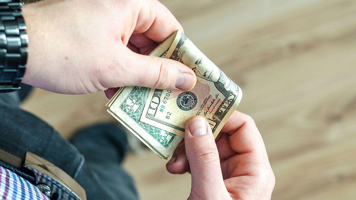 Encuestas confirman que la mayoría de estadounidenses espera un segundo cheque de estímulo.