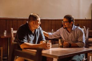 El COVID encarecerá más el acceso al crédito de los empresarios latinos