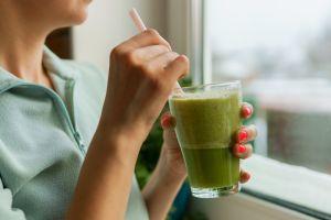 4 bebidas que ayudan a prevenir las piedras en los riñones y otras infecciones