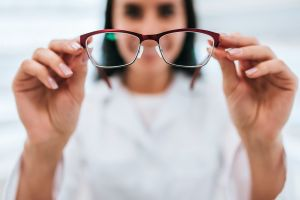 Aumentan casos de fatiga visual durante la cuarentena