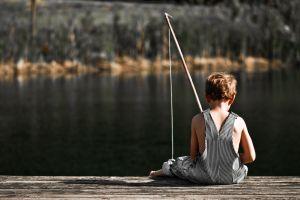 """Niño pescador deportivo atrapó pez """"gigante"""" en el Central Park de Nueva York"""