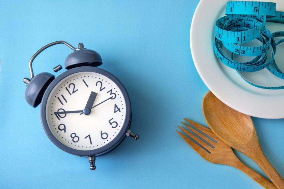 Ayuno intermitente: Guía completa a seguir, recetas y más, para perder peso y mejorar tu salud