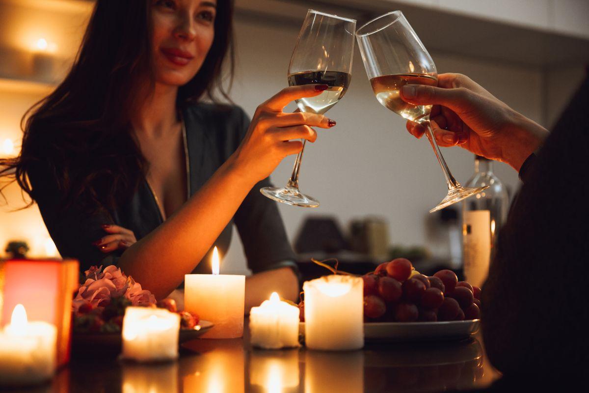 5 ideas para tener una cena romántica de aniversario de bodas en tu casa