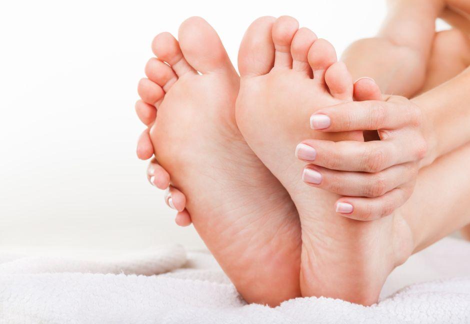 ¿Qué es el síndrome de los pies ardientes y cuáles son sus causas?