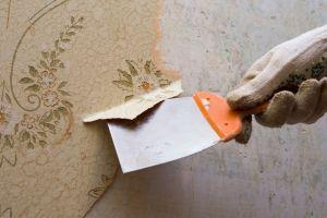 Encuentra misterioso mensaje al remodelar su casa durante la cuarentena