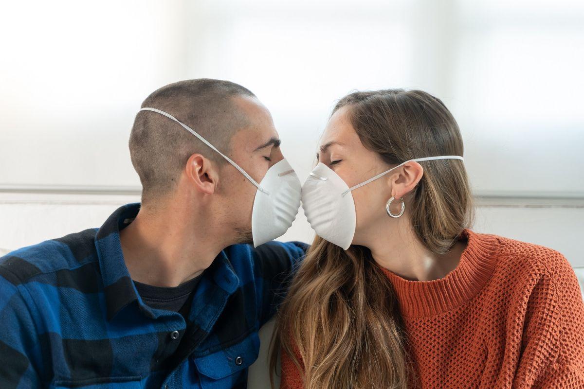 Sexo con mascarillas, la recomendación de Harvard para la nueva realidad