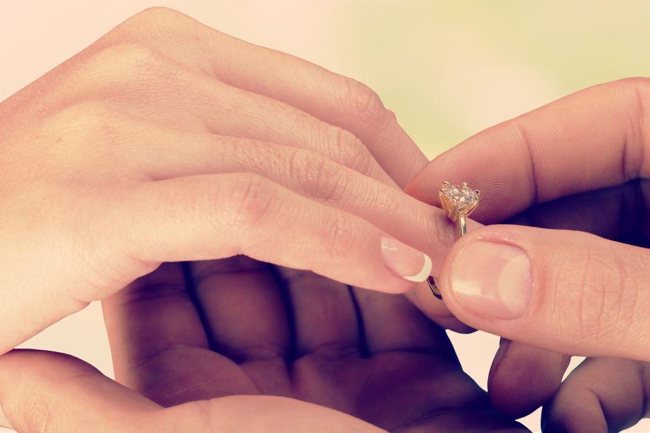Le propone matrimonio a su novia en el hospital y 2 días después murió