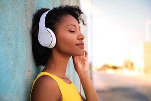 ¿Los auriculares perjudican la salud de tus oídos?