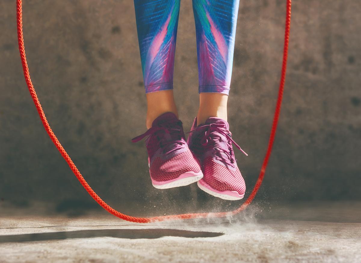 5 cuerdas para saltar con las que podrás iniciar una rutina de crossfit en casa