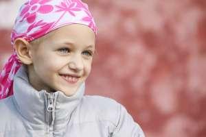 Bomberos van a hospital para animar a hijo de compañero que lucha contra el cáncer