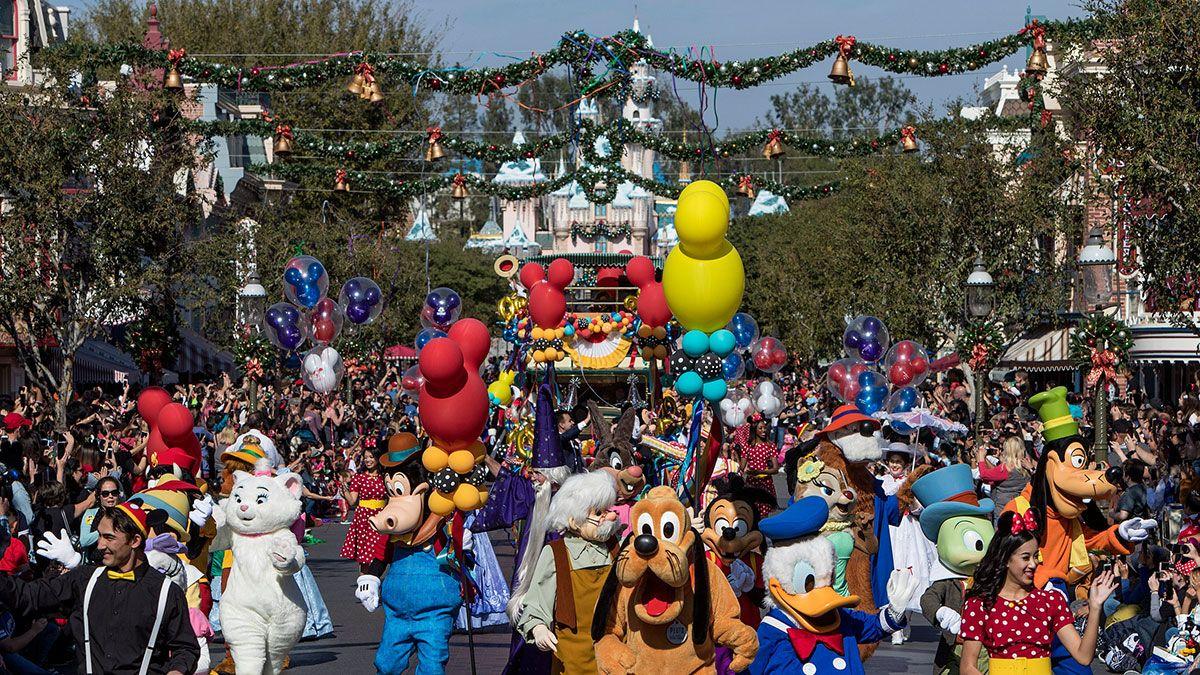 En un intento por reactivar sus actividades comerciales, Disney abre una parte de su parque en Anaheim
