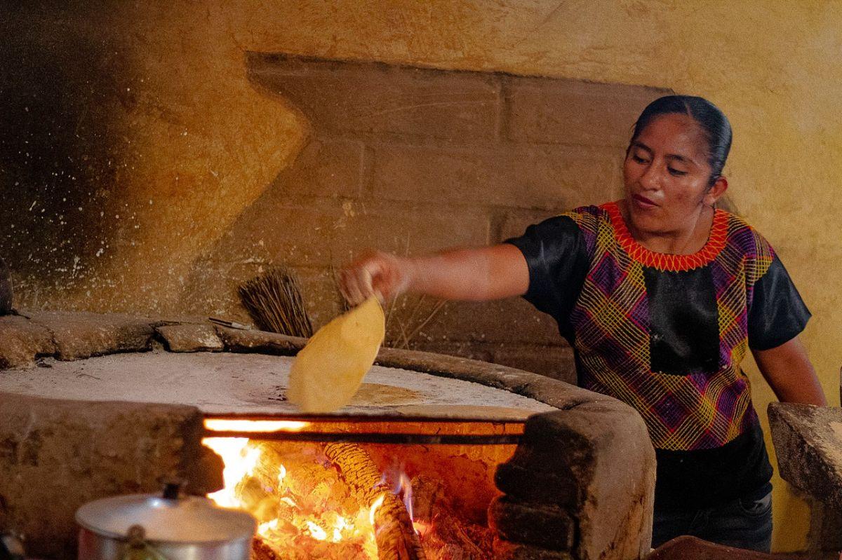 Tlaxcalli, el origen de las tortillas de maíz