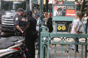 Video: dos ancianos acuchillados en trifulca en el Metro de Nueva York