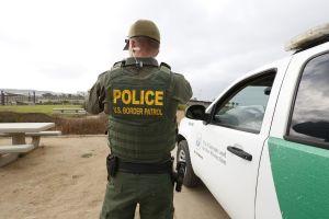 """CBP defiende """"deportaciones exprés"""" y culpa a inmigrantes de avance del coronavirus en EE.UU."""
