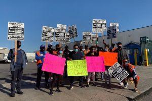 Trabajadores latinos piden un contrato justo en medio de la pandemia del coronavirus