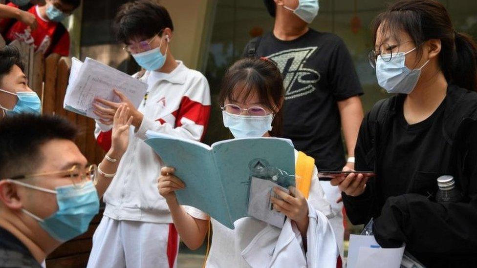 Esta edición del gaokao se celebró con medidas contra el coronavirus.