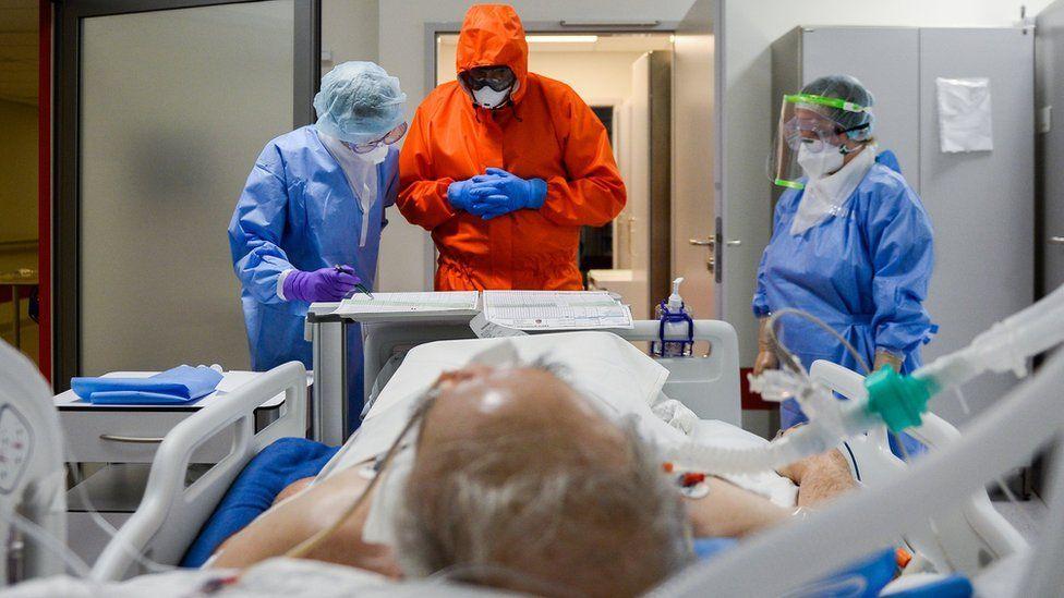 ¿Qué progresos se están haciendo en los tratamientos contra el coronavirus?