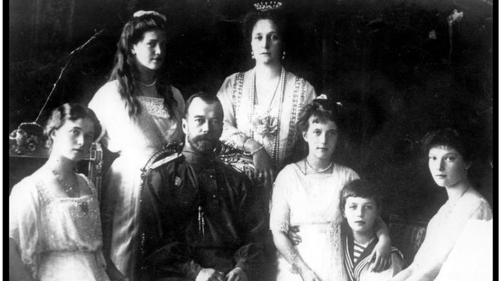 El largo proceso en Rusia para identificar a los últimos zares (y por qué es una cuestión de Estado para Putin)