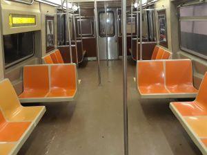 Luchador de MMA hace lo impensable para que pasajero sin mascarilla no se siente junto a él en el Metro