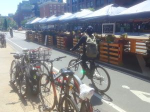 27 negocios en Nueva York pierden licencia de licores por violar la distancia social; 3 en Queens